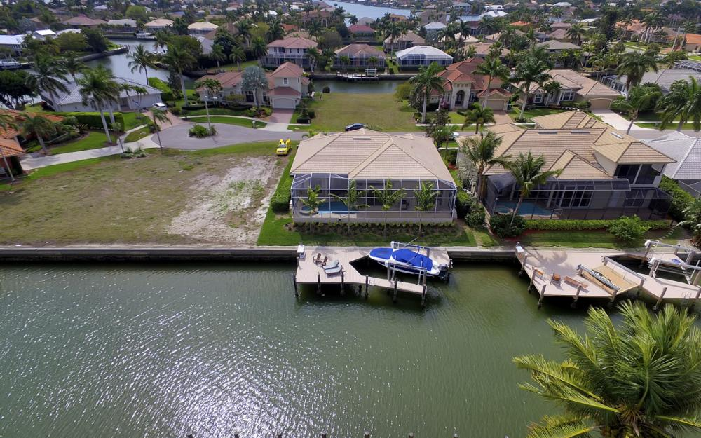 940 Beaver Ct, Marco Island - Home For Sale 1003945189