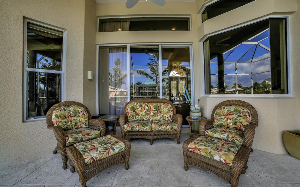 940 Beaver Ct, Marco Island - Home For Sale 94470025