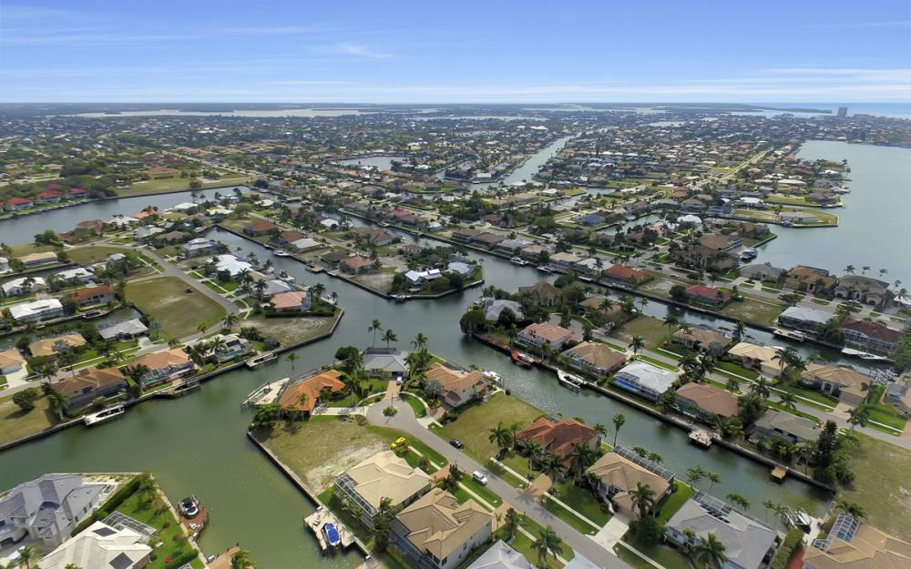 940 Beaver Ct, Marco Island - Home For Sale 514531544