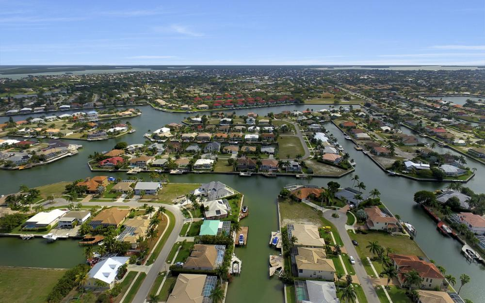 940 Beaver Ct, Marco Island - Home For Sale 36128135