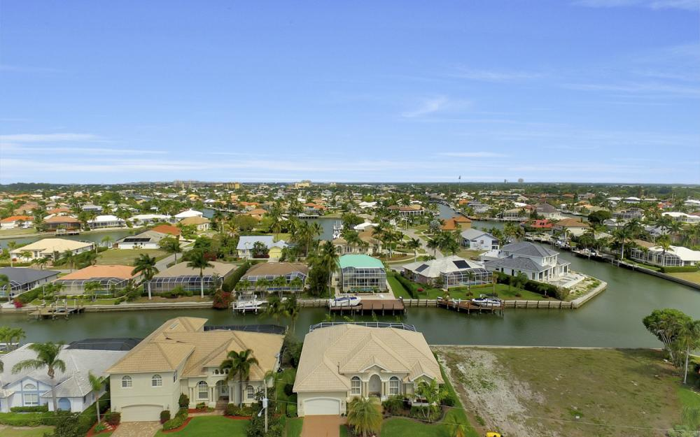 940 Beaver Ct, Marco Island - Home For Sale 137847171