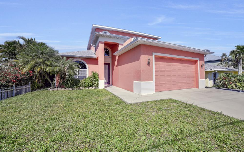 3634 Bayview Ave, St James City - Home For Sale 540423740
