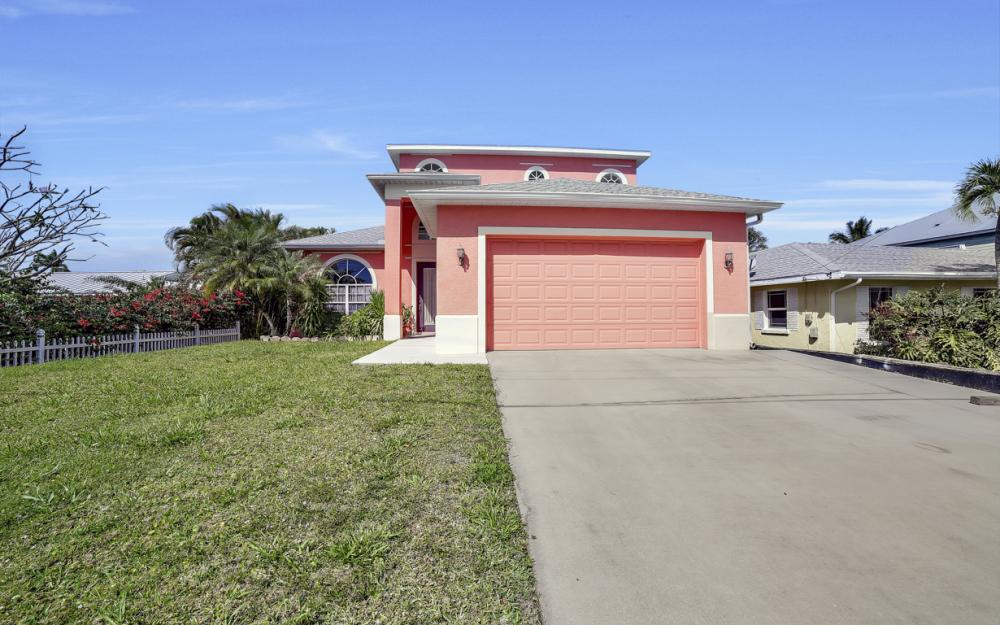 3634 Bayview Ave, St James City - Home For Sale 305649812