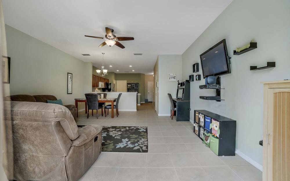 937 Hampton Cir #108, Naples - Home For Sale 39105823