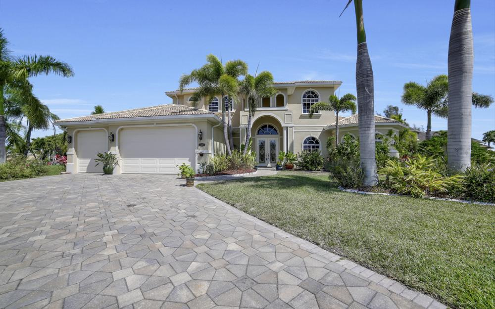 4237 SW 23rd Ave, Cape Coral - Home For Sale 723815721