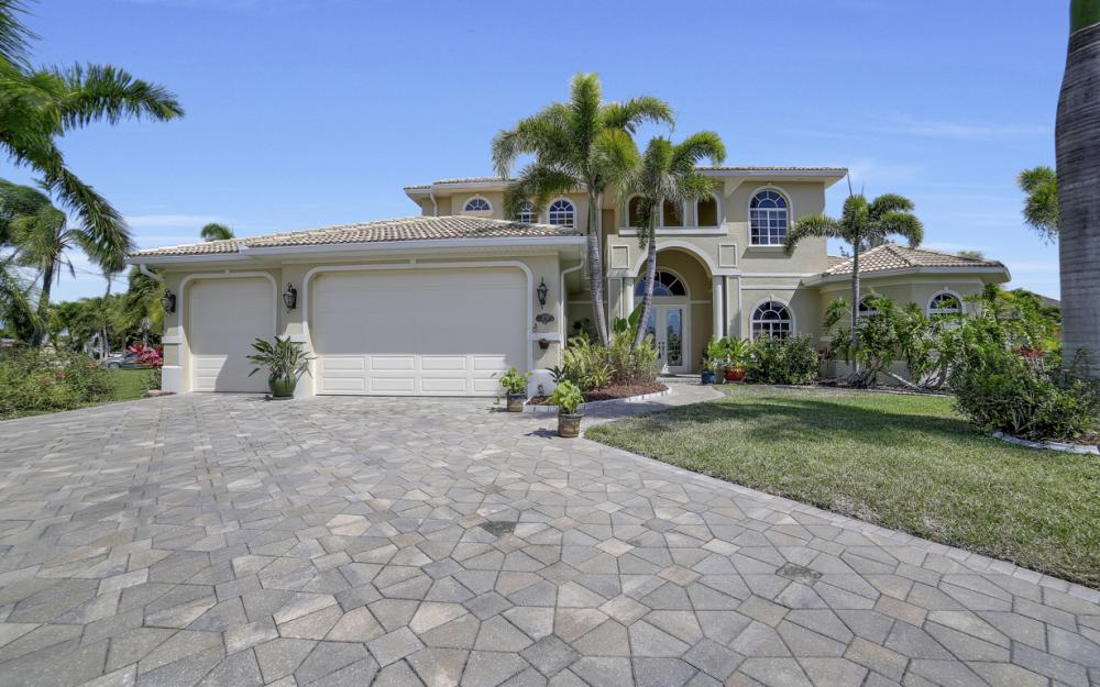 4237 SW 23rd Ave, Cape Coral - Home For Sale 136546264