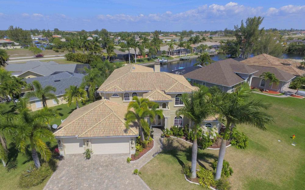 4237 SW 23rd Ave, Cape Coral - Home For Sale 626351956