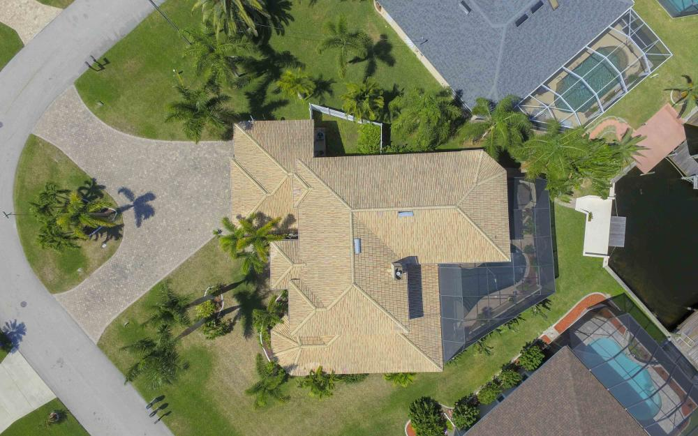 4237 SW 23rd Ave, Cape Coral - Home For Sale 383068097