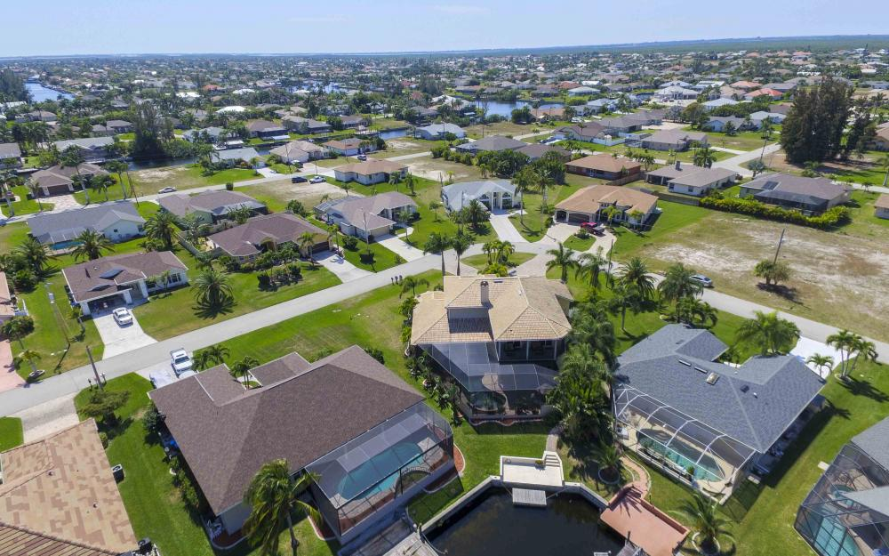 4237 SW 23rd Ave, Cape Coral - Home For Sale 1507179223