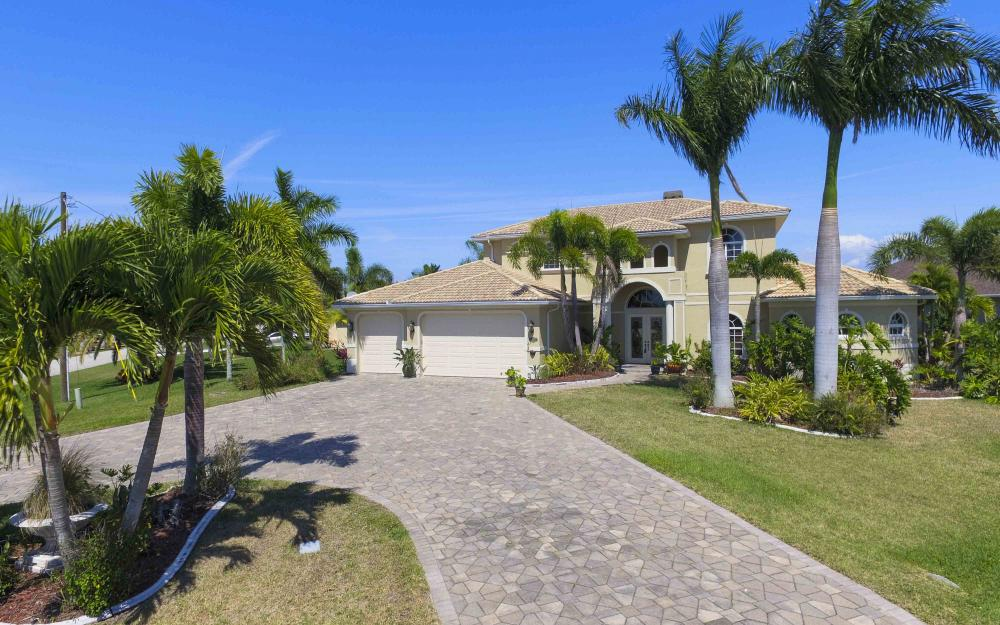 4237 SW 23rd Ave, Cape Coral - Home For Sale 1129256107