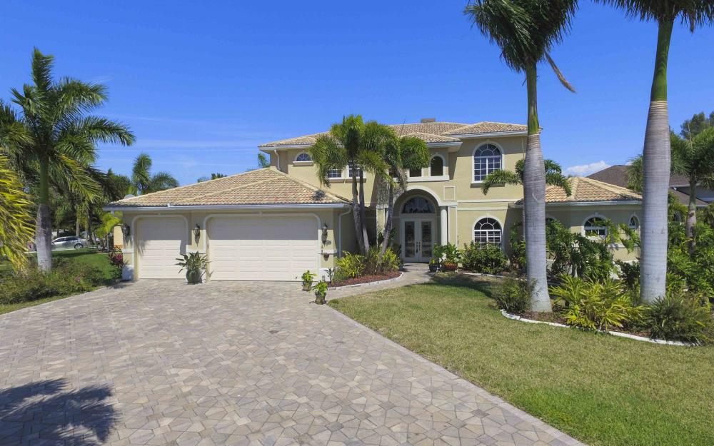 4237 SW 23rd Ave, Cape Coral - Home For Sale 566604604