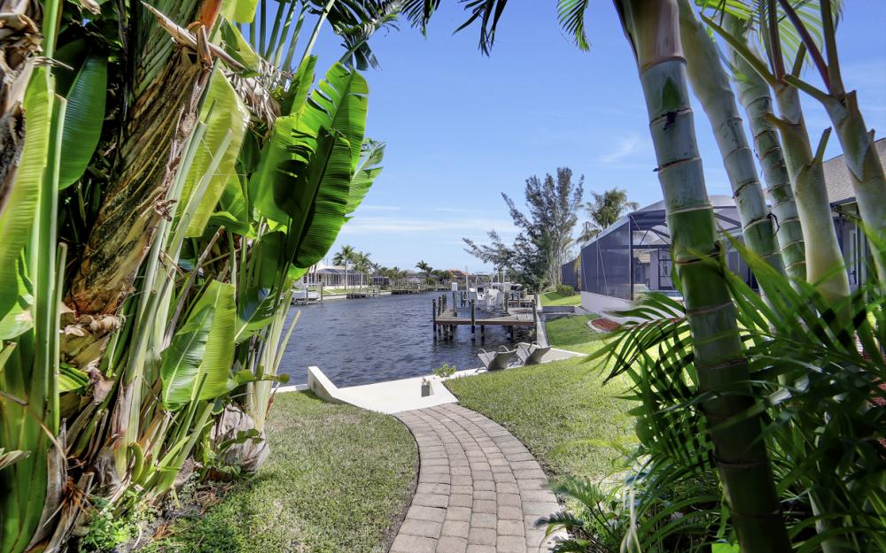 4237 SW 23rd Ave, Cape Coral - Home For Sale 1298897465