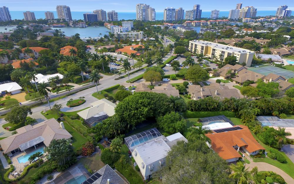 719 Willowhead Dr, Naples - Home For Sale 676999537
