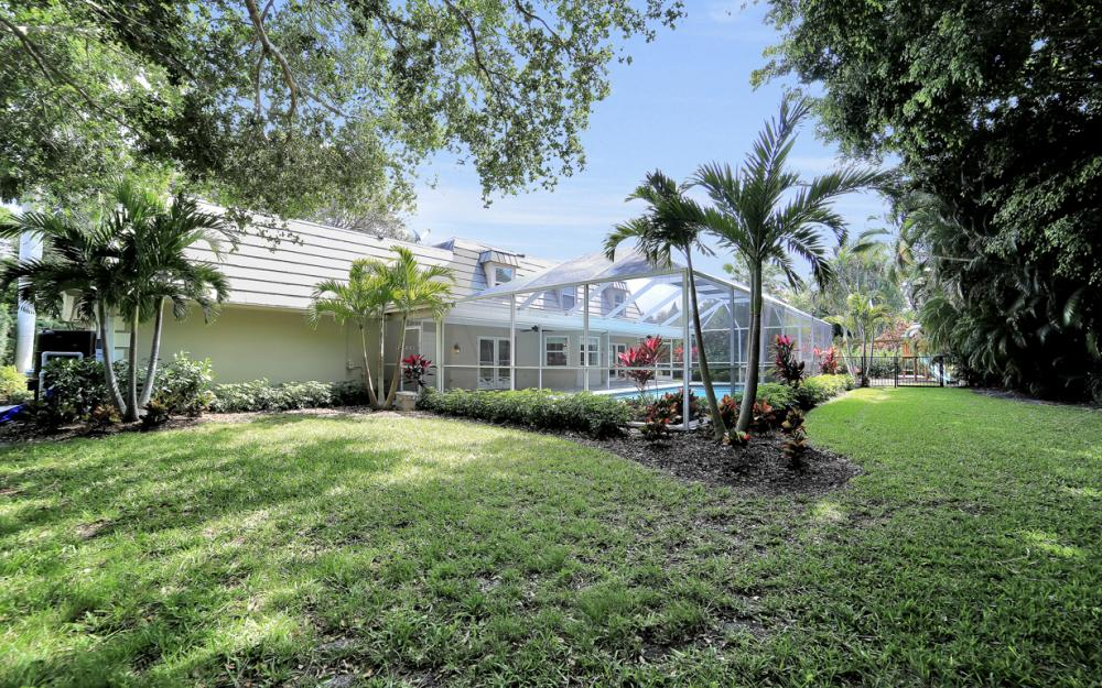719 Willowhead Dr, Naples - Home For Sale 1949118805