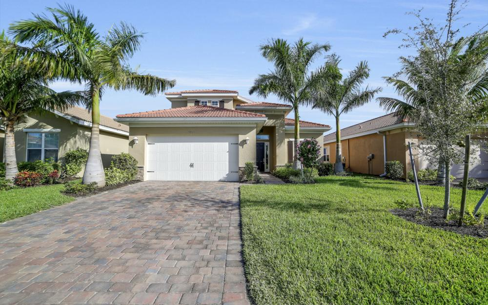 3865 Eldon St, Fort Myers - Home For Sale 1581372140