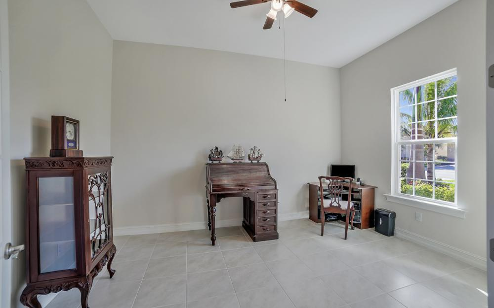3865 Eldon St, Fort Myers - Home For Sale 1051023384
