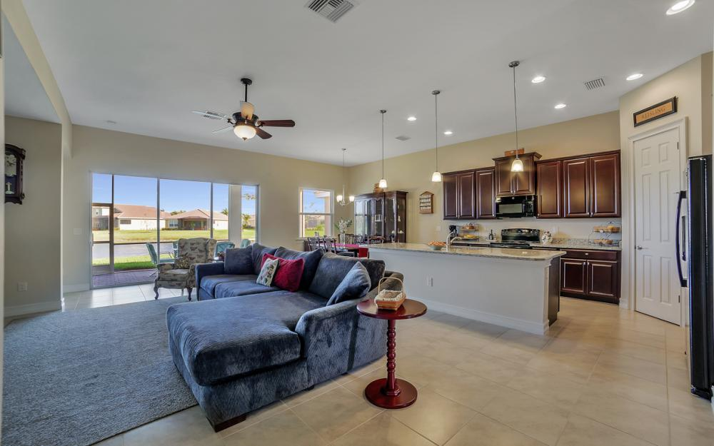3865 Eldon St, Fort Myers - Home For Sale 513329692