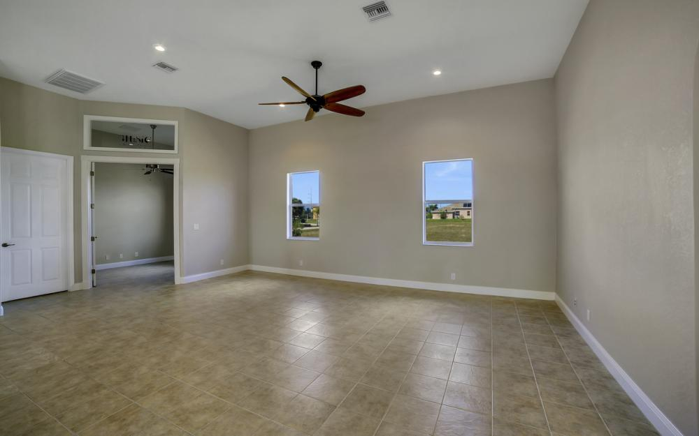 405 NW 8th Terrace, Cape Coral - Home For Sale 180383626