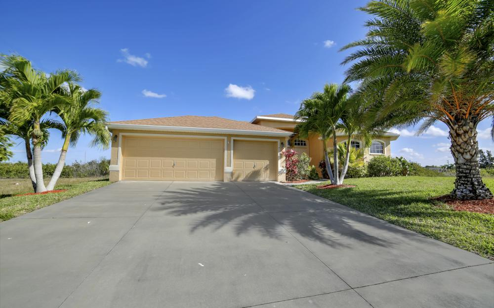 405 NW 8th Terrace, Cape Coral - Home For Sale 1991512569
