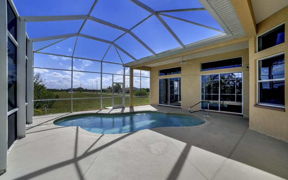 405 NW 8th Terrace, Cape Coral - Home For Sale 2001253539