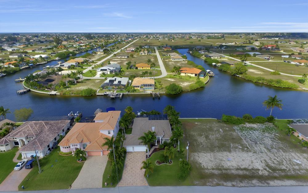 3513 NW 3rd Ter, Cape Coral - Home For Sale 1941666713