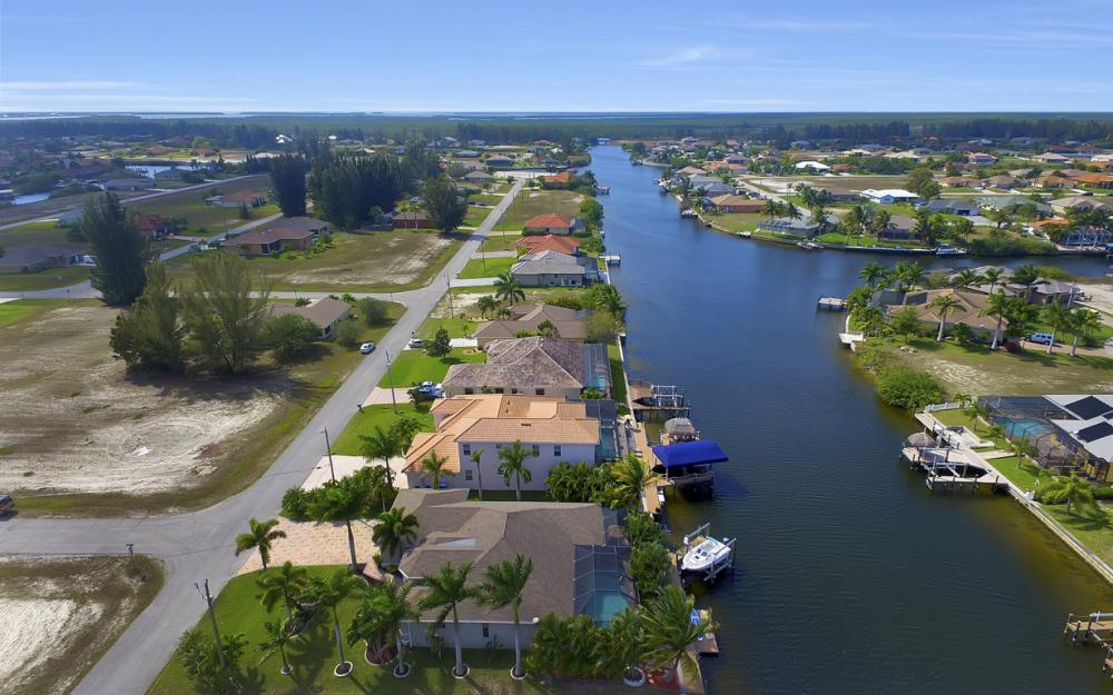 3513 NW 3rd Ter, Cape Coral - Home For Sale 1197310630