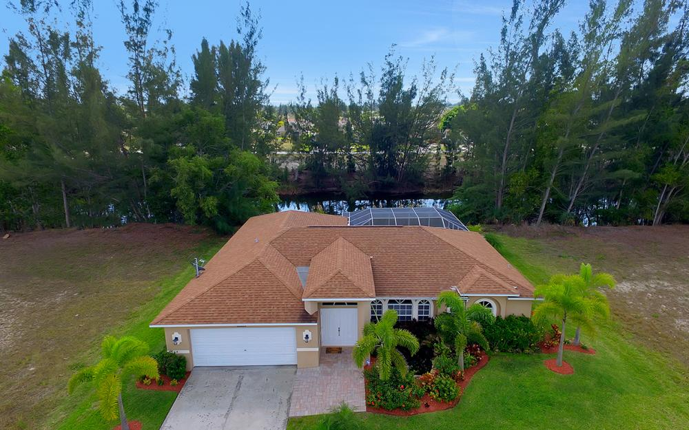 1300 SW 28th St, Cape Coral - Home For Sale 24252323
