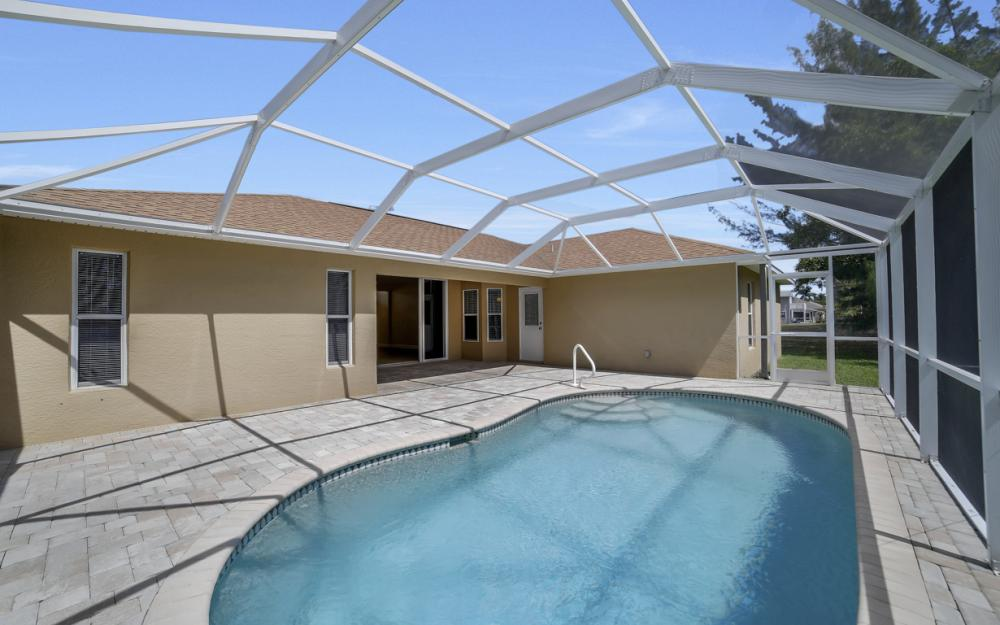 1300 SW 28th St, Cape Coral - Home For Sale 1962704972