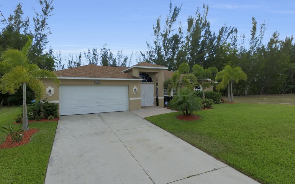 1300 SW 28th St, Cape Coral - Home For Sale 85541286