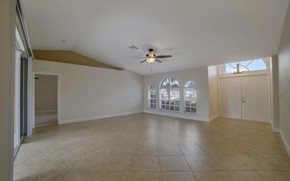 1300 SW 28th St, Cape Coral - Home For Sale 758404516