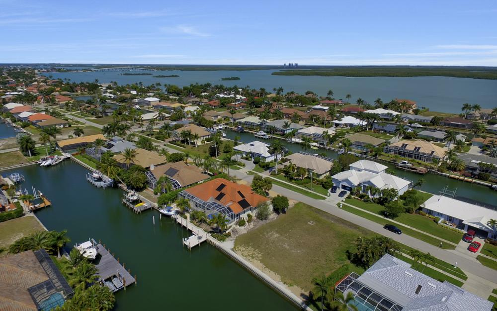 250 Rockhill Ct, Marco Island - Lot For Sale 761284551