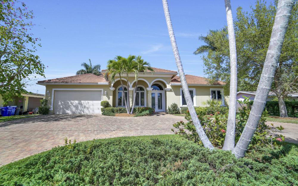 2895 10th St N, Naples - House For Sale  799582871