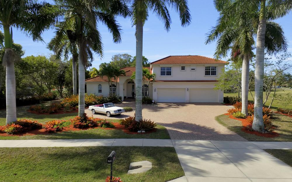 1611 N Copeland Dr, Marco Island - Home For Sale 276219087
