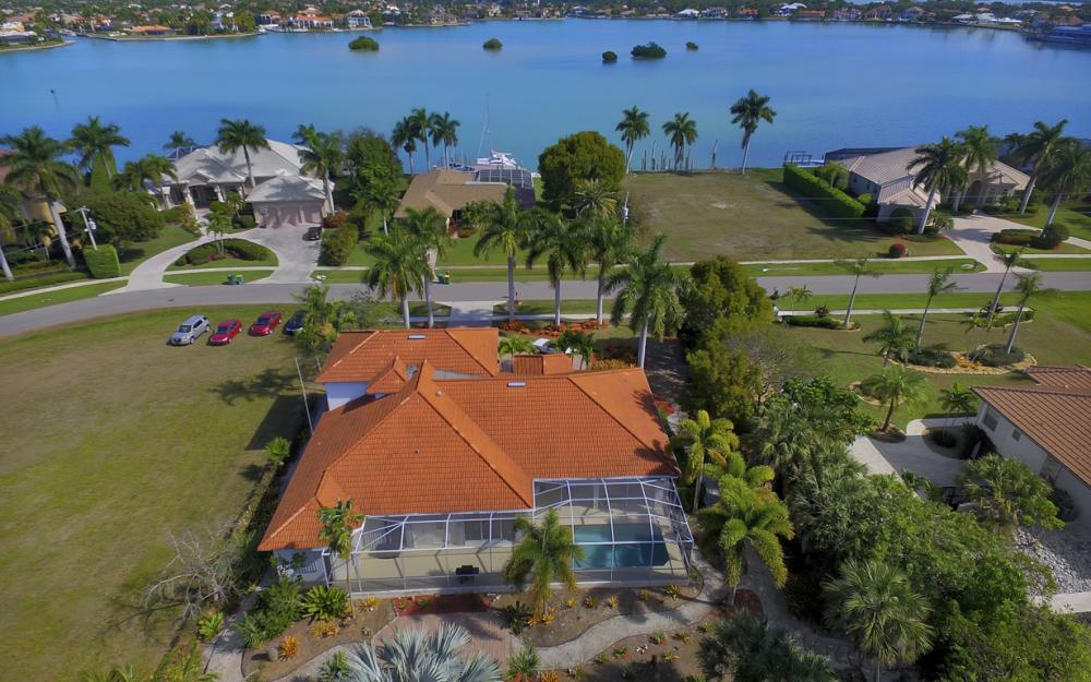 1611 N Copeland Dr, Marco Island - Home For Sale 1954603561