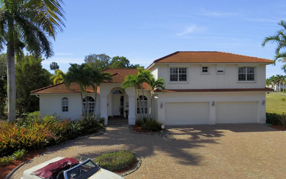 1611 N Copeland Dr, Marco Island - Home For Sale 1090049508