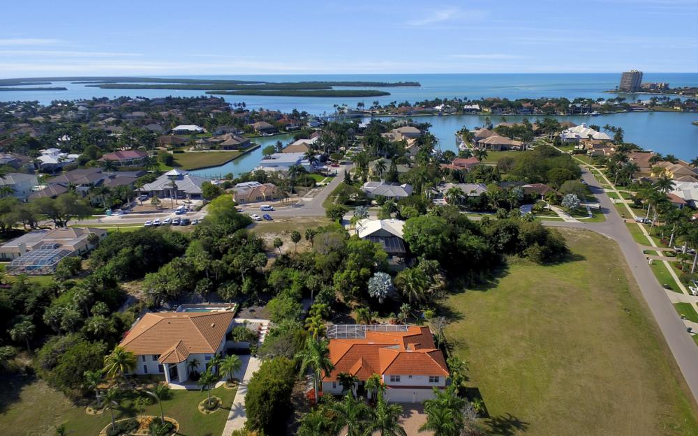 1611 N Copeland Dr, Marco Island - Home For Sale 412252116