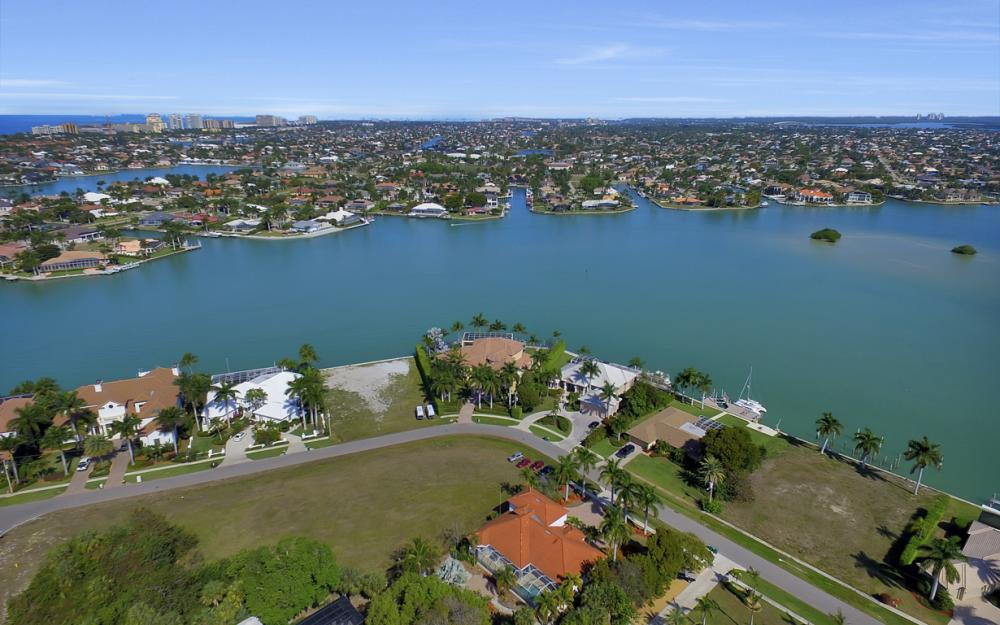 1611 N Copeland Dr, Marco Island - Home For Sale 1307460176