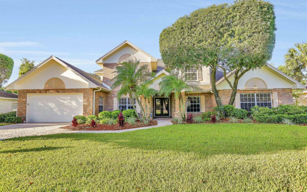 45 Timberland Cir S, Fort Myers - Home For Sale 92405273