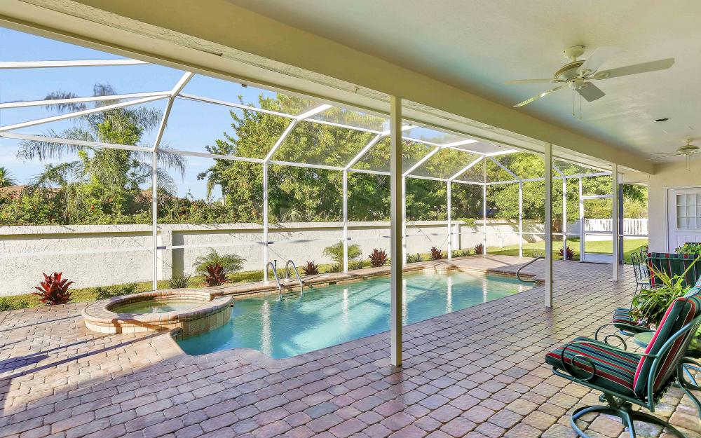 45 Timberland Cir S, Fort Myers - Home For Sale 218328519