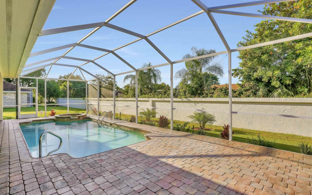 45 Timberland Cir S, Fort Myers - Home For Sale 866430996
