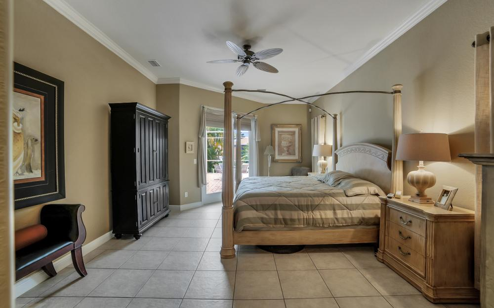 2666 SW 32nd St, Cape Coral - Home For Sale 1236255488