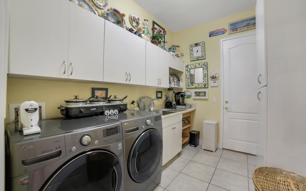 2666 SW 32nd St, Cape Coral - Home For Sale 747041349