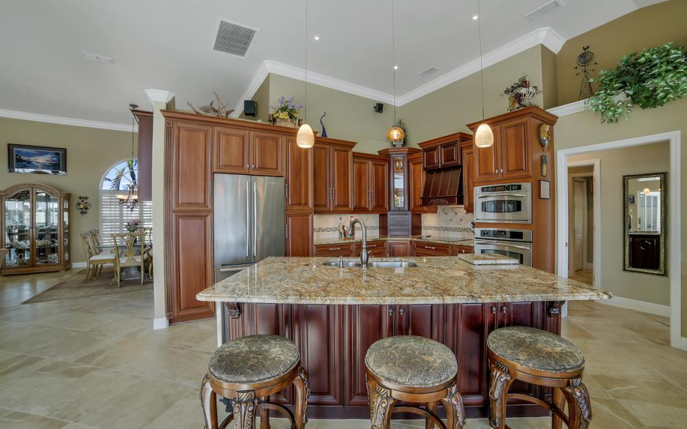625 Blackmore Ct, Marco Island - Home For Sale 1609841385