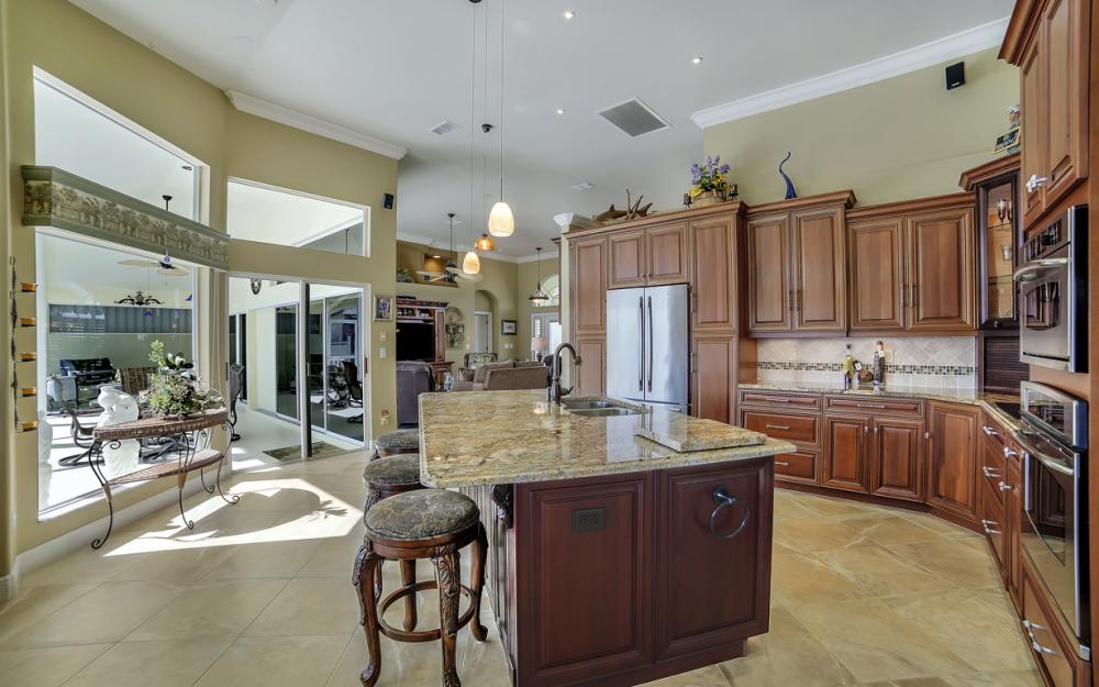 625 Blackmore Ct, Marco Island - Home For Sale 1193185132