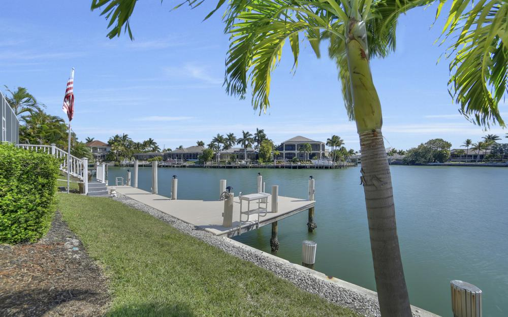 625 Blackmore Ct, Marco Island - Home For Sale 261689993