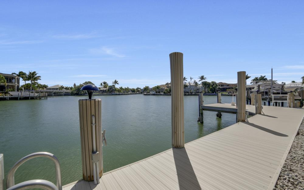 625 Blackmore Ct, Marco Island - Home For Sale 200292042
