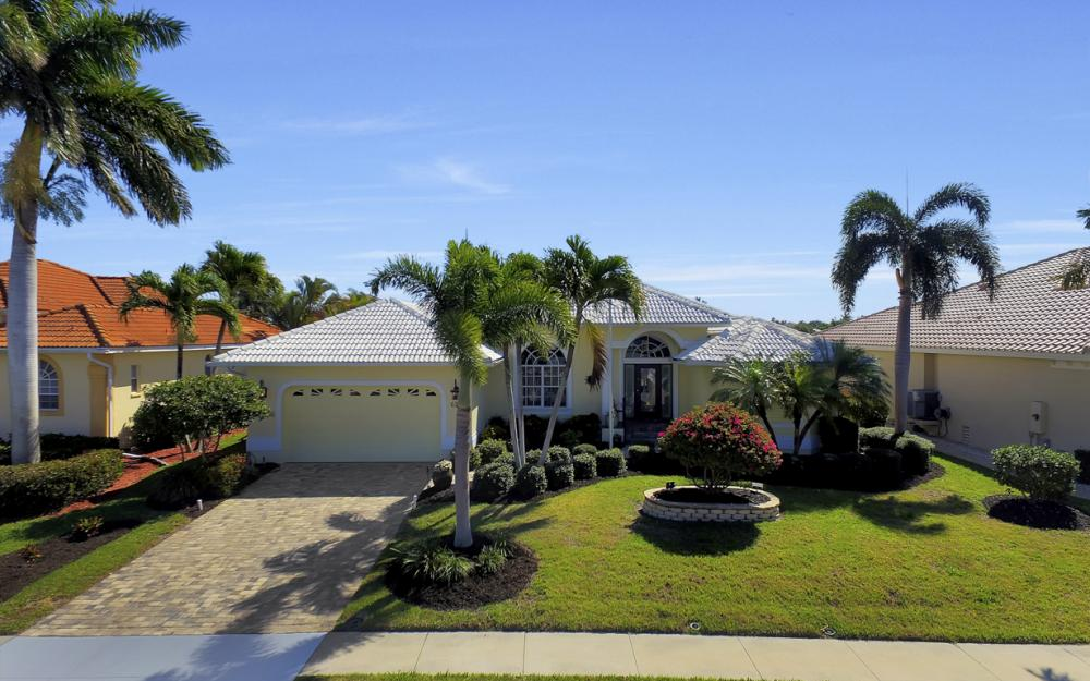 625 Blackmore Ct, Marco Island - Home For Sale 1923438103