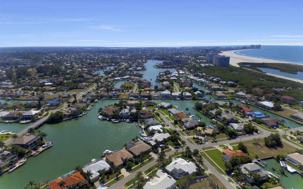 625 Blackmore Ct, Marco Island - Home For Sale 18251556