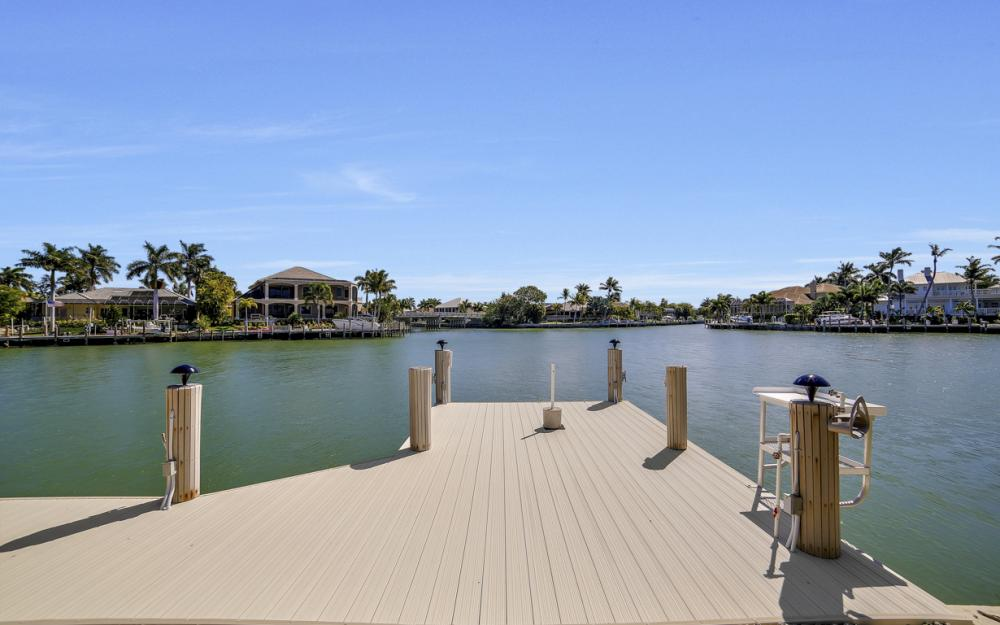 625 Blackmore Ct, Marco Island - Home For Sale 475726929