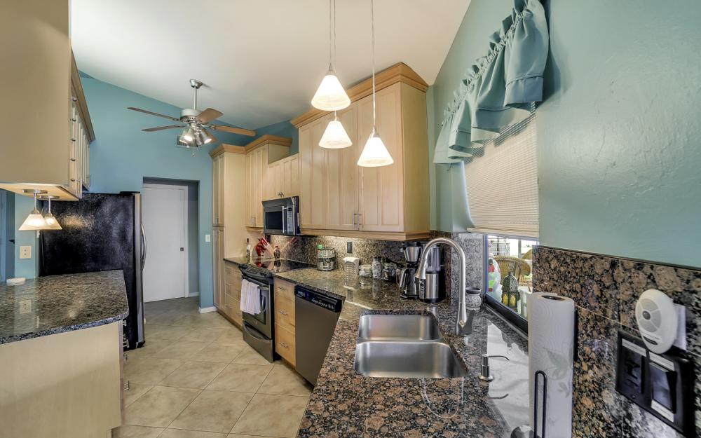 2833 SE 8th Ave, Cape Coral - Vacation Rental 1068066727